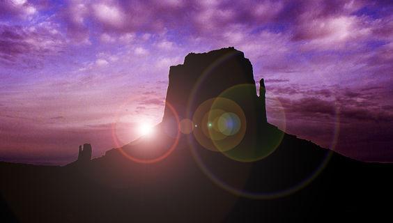 Das Monument Valley im Gegenlicht.  © Arizona Tourism