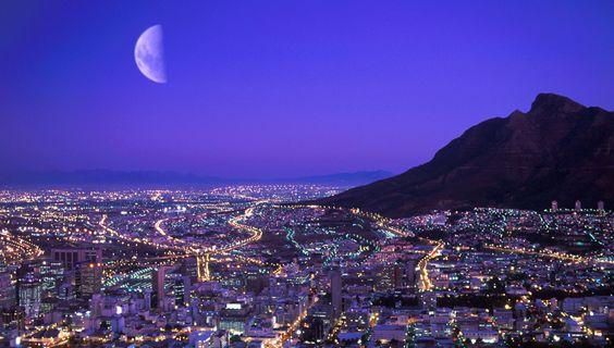 Kapstadt bei Nacht © Christian Heeb